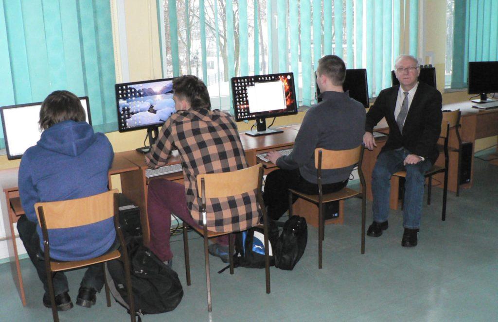 Urządzenie dwóch laboratoriów informatycznych zgodnych z nową podstawą kształcenia zawodowego Technik informatyk w ZS nr 1 w Działdowie