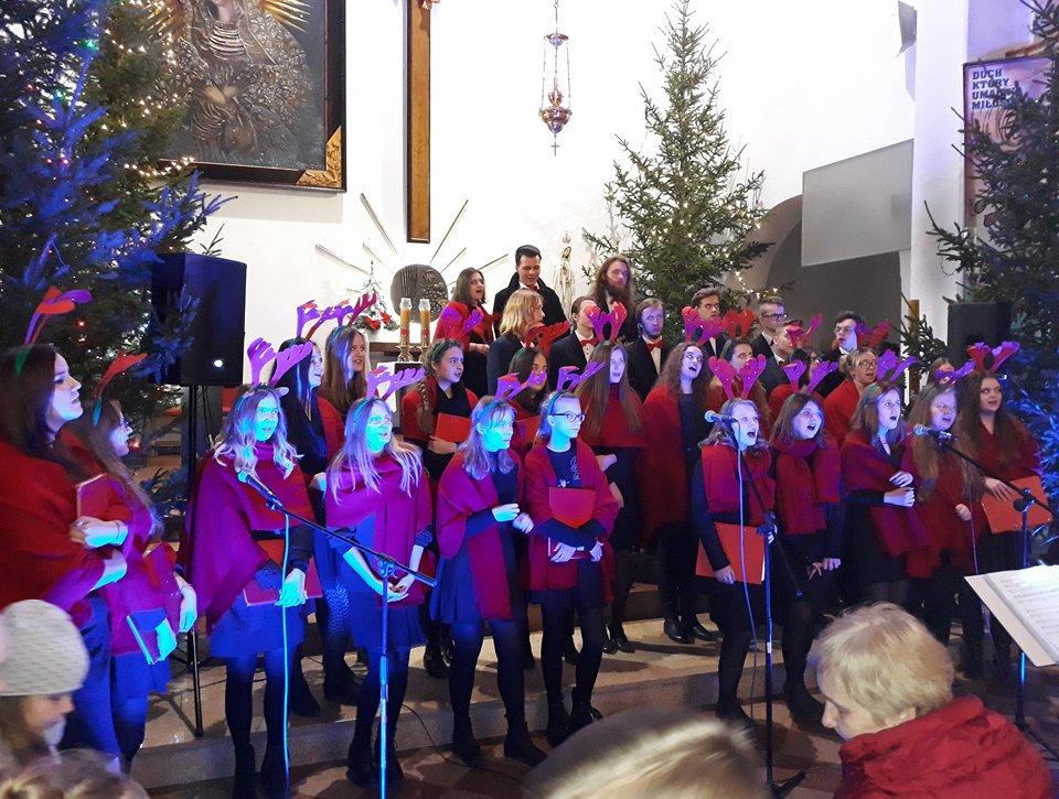 Świąteczne koncertowanie Our Voice i Multikolor