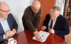 """Odbiór końcowy robót inwestycji: """"Przebudowa drogi powiatowej nr 1290N na odcinku od przejazdu kolejowego do miejscowości Prioma""""."""