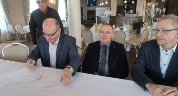 """Odbiór końcowy robót inwestycji: """"Przebudowa chodnika w m. Płośnica w ciągu drogi powiatowej nr 1255N""""."""