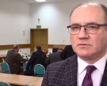Wysoka absencja nauczycieli zaniepokoiła radnych powiatu (film)