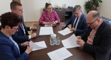 Umowa w sprawie dofinansowania inwestycji drogowych Gminy Iłowo-Osada została podpisana!
