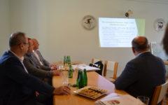 """Podpisanie porozumienia o współpracy w zakresie opracowania założeń projektu """"Południowe Mazury""""."""
