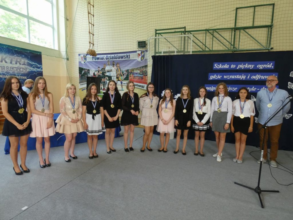 Zakończenie roku w Szkole Podstawowej w Burkacie