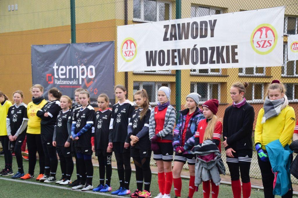 """Finał wojewódzki turnieju piłki nożnej dziewcząt (2005 i mł.) """"Moje boisko Orlik 2012"""" – wyniki"""
