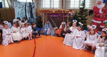Magiczne Święta w Szkole Podstawowej w Niechłoninie