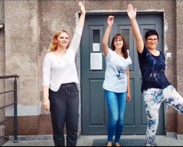 Powiatowa Biblioteka Pedagogiczna w Działdowie pompuje dla Hani! (film)