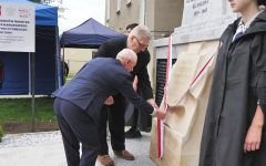 Uroczyste odsłonięcie odrestaurowanego pomnika na terenie byłych obozów: niemieckiego i sowieckiego w Działdowie